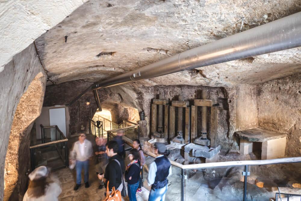 percorso-sotterraneo-sale-moom-matera-olive-oil-museum-museo-olio-oliva