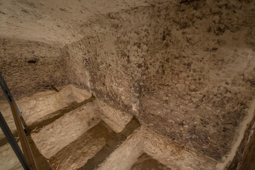vasche-scavi-roccia-frantoio-moom-matera-olive-oil-museum-museo-olio-oliva