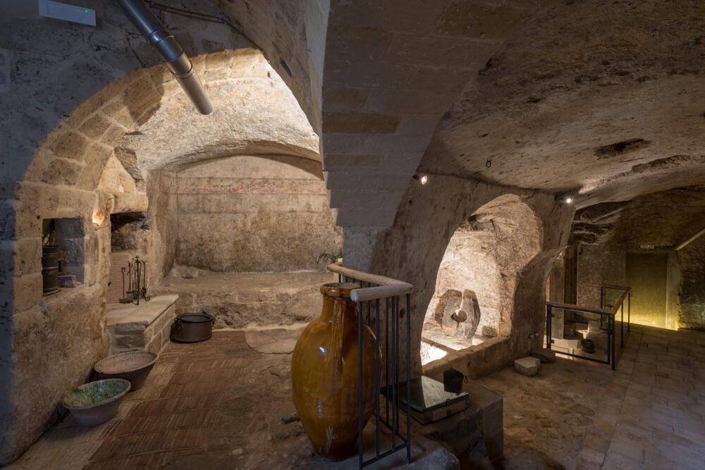 giaciglio-del-frantoiano-allestito-moom-matera-olive-oil-museum-museo-olio-oliva