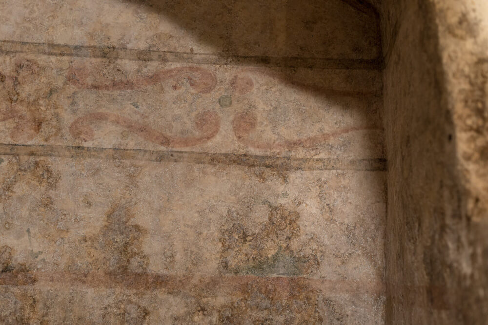 pareti-giaciglio-frantoiano-decorate-dipinti-moom-matera-olive-oil-museum-museo-olio-oliva